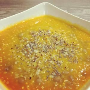 Zuppa di quinoa, lenticchie e carote
